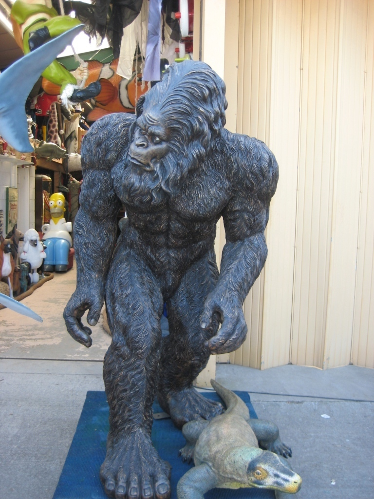 a history of big foot yeti and sasquatch Myra shackley - still living, yeti sasquatch and the neanderthal enigma   according to the story, arura the potter created the wildman enkudu from clay.